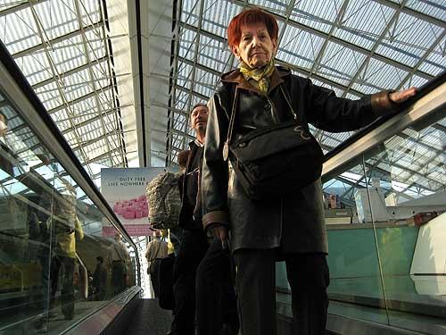 Miyaya en el Aeropuerto Internacional Charles de Gaulle de París