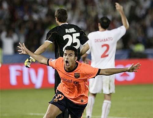 Pedro, jugador del FC Barcelona, autor del primer gol en la Final del Mundialito de clubs - Foto: AP